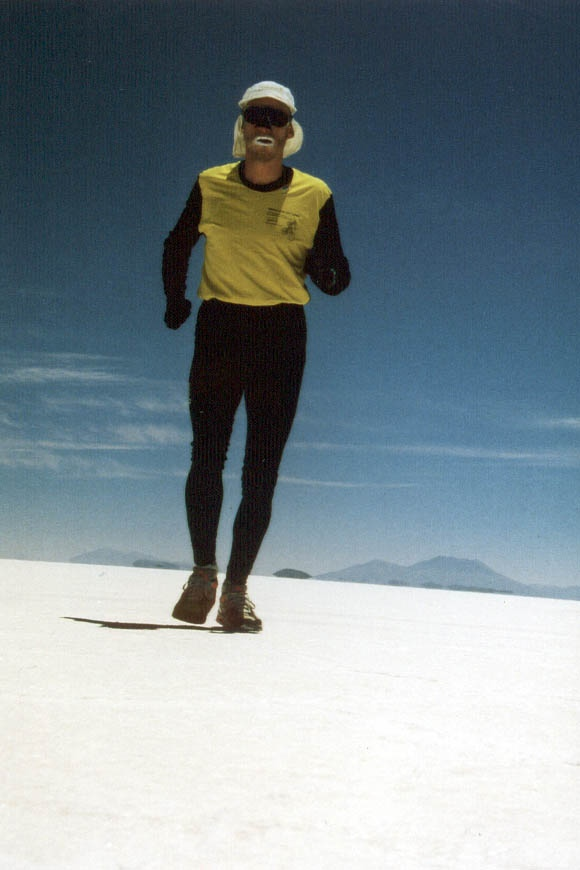 """Bolivien > Durchquerung des """"Salar de Uyuni"""" auf dem Altiplano in Bolivien, dem größten Salzsee der Erde"""