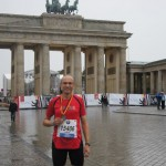Lothar Kessel vor dem Brandenburger Tor