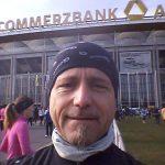Ralph Langholz in Frankfurt beim Lufthansa-Halbmarathon vor dem Waldstadion