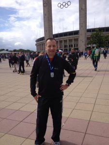 Patric Stieler vor dem Olympiastadion
