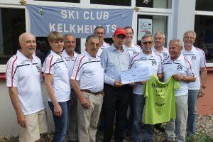 Spendenübergabe beim SkiClub Kelkheim - Organisationsteam und ARQUE-Vize Michael Lederer