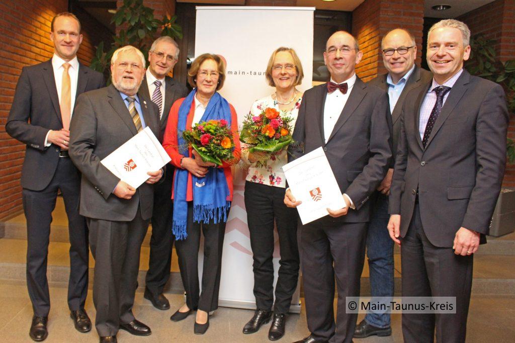Ehrenplakette an Michael Lederer ©Main-Taunus-Kreis